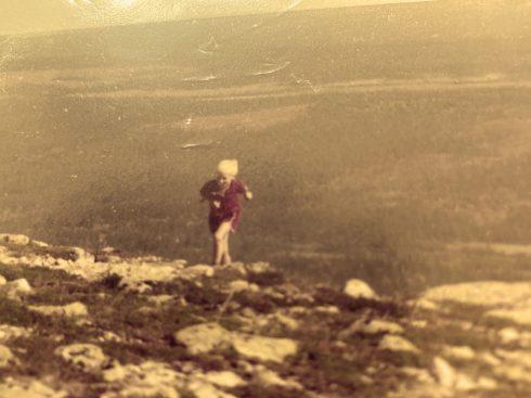 21. pilgrim_springa uppför berg