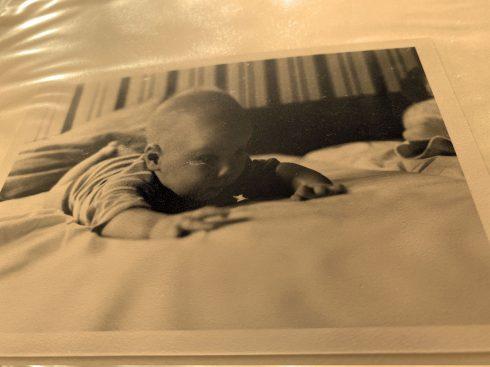 4. baby kryper